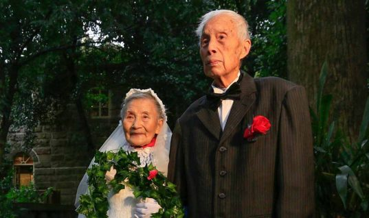 Adorable Couple Recreates Wedding 70 Years Later