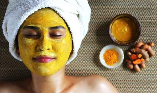 Freshen Up Your Face Using Turmeric
